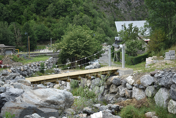 Pont suspendu Barrada Gedre, France