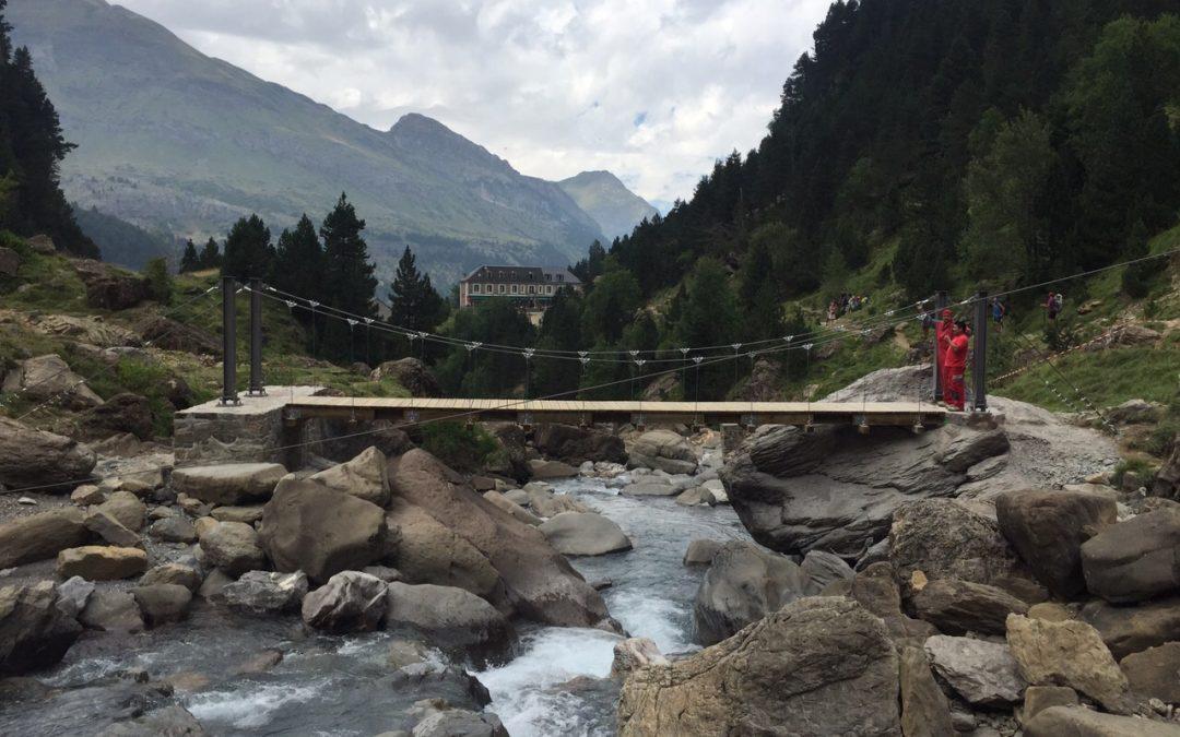 Ponts penjants a la Vall del Pays de Toys