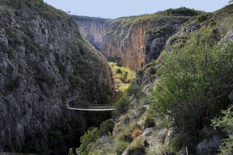 Puente colgante en Chulilla