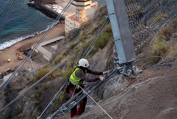 Trabajos en el Puerto de Santa Cruz de Tenerife, Islas Canarias